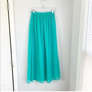 Forever 21 Green Maxi Skirt Size Small